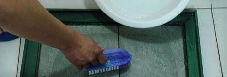 房子住时间长了,隐形纱窗该怎么洗呢?深圳龙华清洁公司